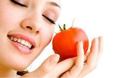 Tuyệt chiêu chăm sóc da căng mịn từ cà chua