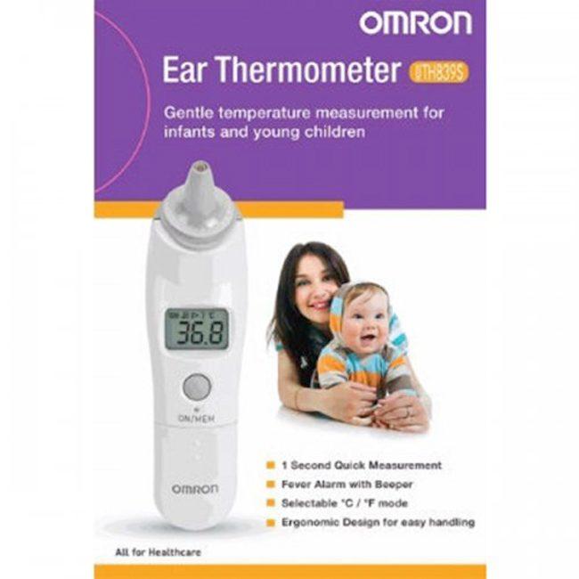 Nhiệt kế điện tử đo tai cảm biến Omron TH-839S