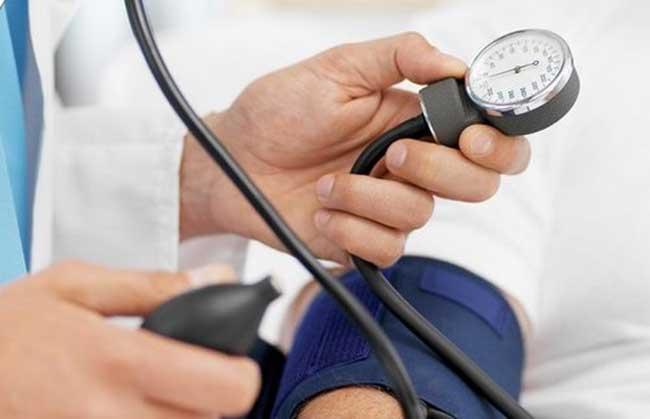 tụt huyết áp nên có nên uống thuốc gì