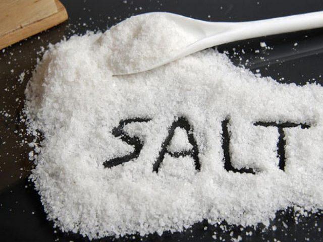 muối là nguyên nhân làm tăng huyết áp đột ngột