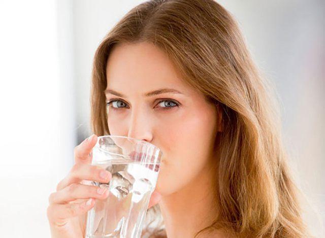 uống nước giúp làm giảm nguy cơ huyết áp cao