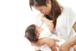 cho bú sữa mẹ để tăng cường hệ miễn dịch cho trẻ