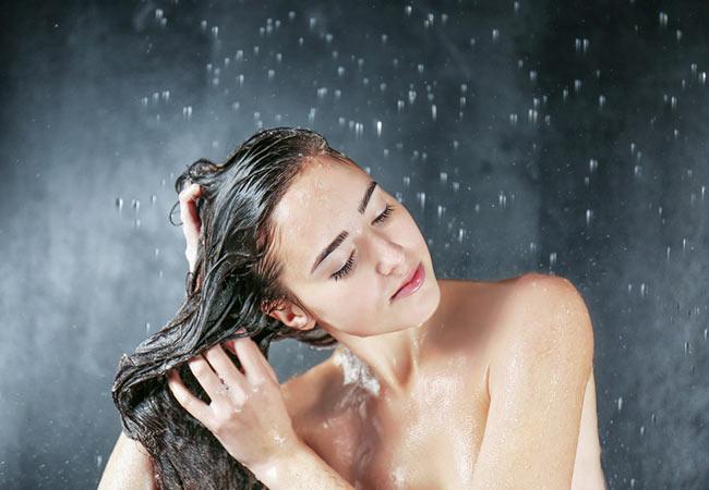 Tắm rửa cơ thể sạch sẽ