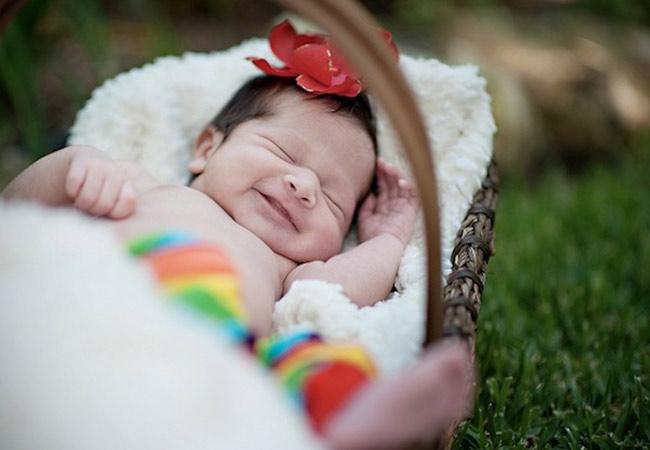 Cung cấp độ ẩm cho da là cách làm trắng da toàn thân cho trẻ em