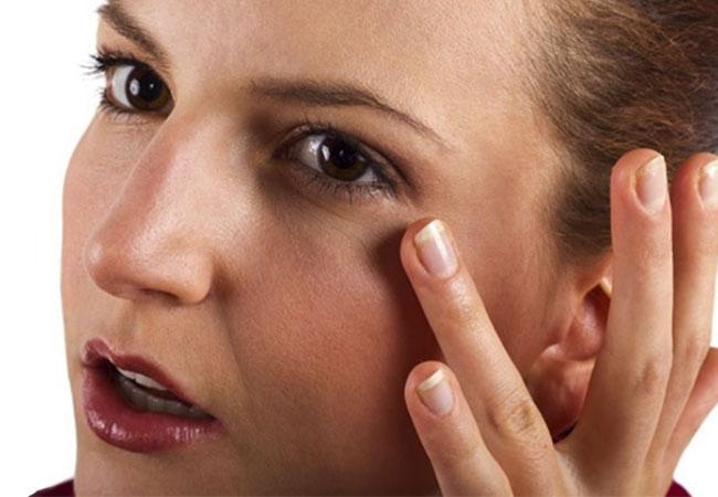 Trị thâm quầng mắt lâu năm bằng cách thay đổi cách sinh hoạt