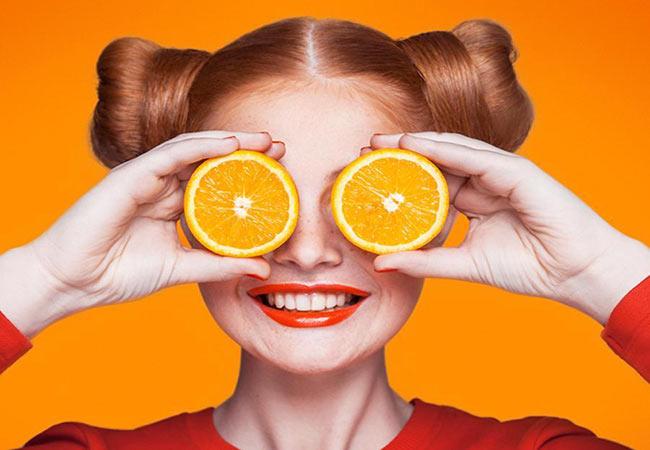 Vitamin C giúp cải thiện sắc tố da khiến cho làn da trắng hồng