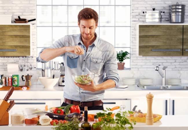 Chế độ dinh dưỡng hợp lý giúp đàn ông mạnh mẽ hơn trong chuyện ấy