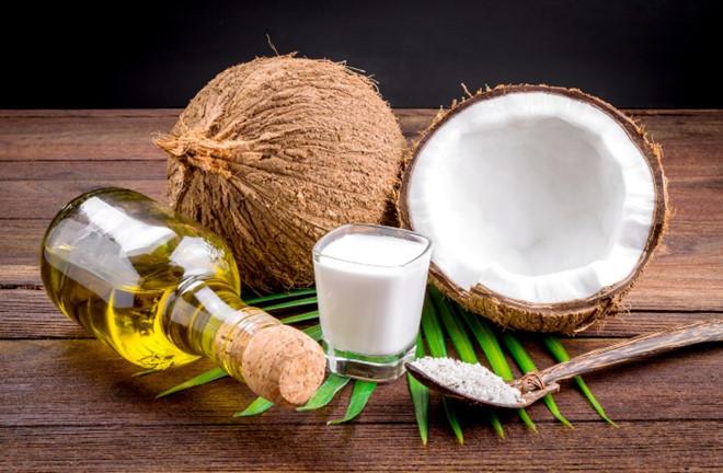 cách dưỡng trắng da vùng nách bằng dầu dừa